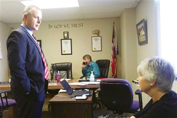 Ohio Treasurer pays visit, meets with county officials